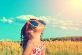Die Sonne kommt zurück, welche Gesten, um sie zu schützen?