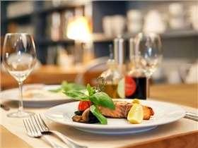 Manger au restaurant : comment ne pas grossir ?