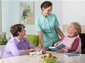 3 conseils pour préparer l'entrée d'un proche en maison de retraite