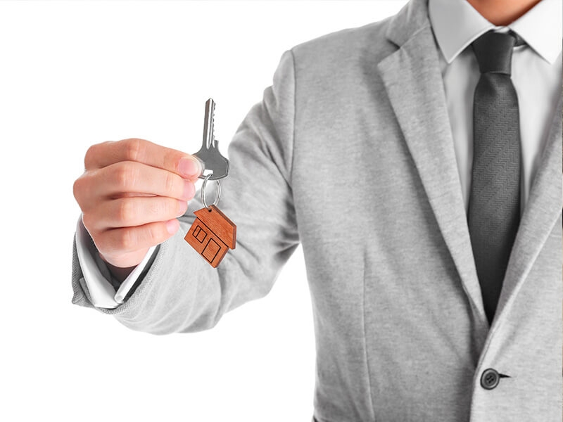 Den Immobilieagent: seng Roll a seng Missiounen