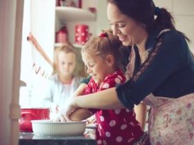 Cuisiner avec son enfant : 12 conseils à suivre