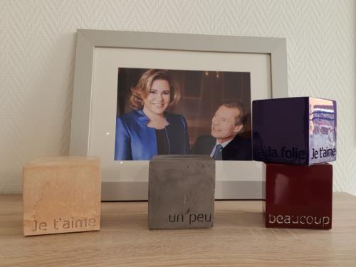 """Cubes empreintes en béton """" je t'aime, un peu, beaucoup ..."""""""
