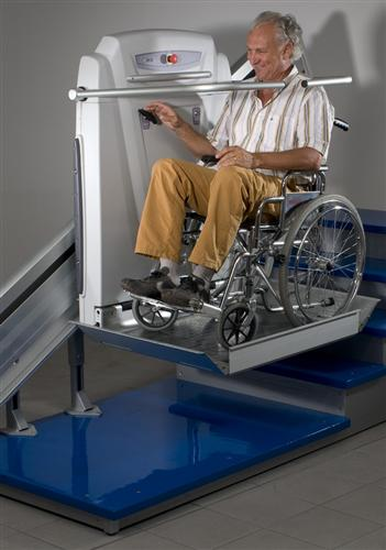plate forme pour fauteuil roulant pour l 39 int rieur ou l 39 ext rieur catalogue de nos produits. Black Bedroom Furniture Sets. Home Design Ideas