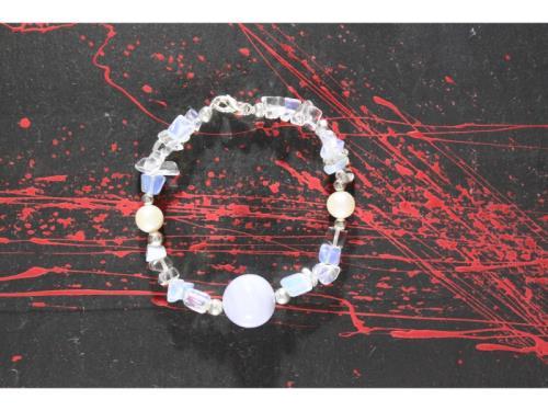 Bracelet de pierre de lune, calcédoine et de perle
