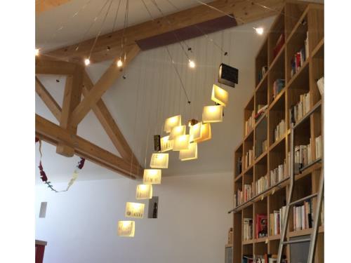 Lustre bibliothèque