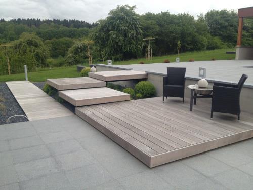 Terrasse et modules en bois