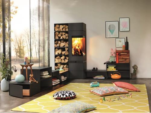 Une cheminée devient un élégant paysage vivant