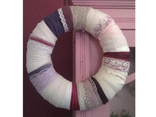 Couronne de porte moderne, romantique avec ruban