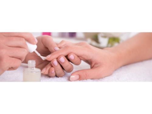 Manucure complète - Soins des mains