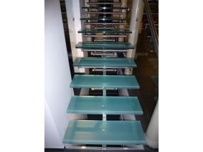 Escalier en verre