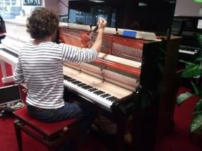 Faites accorder votre piano à domicile!