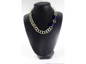 Collier d'anneau et de lapis lazuli