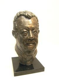 Bustes / portraits sculptés.