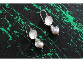 Boucles d'oreilles de perle baroque