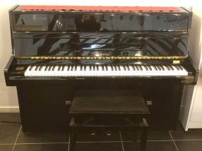 Piano droit d'occasion SAMICK S108 laqué noir