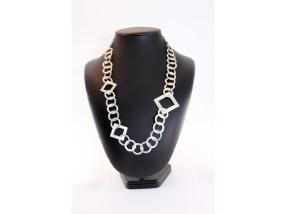 Collier d'anneaux ronds et carrés