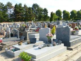 Nettoyage de tombes