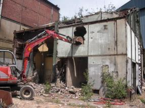 Démolition d'une usine