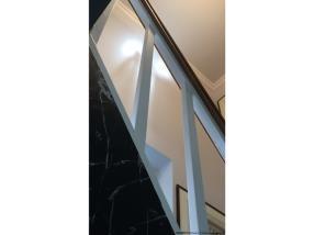 Faux-marbre : Limon d'escalier