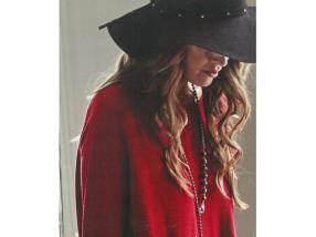 Pull rouge Monari