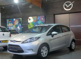 Ford Fiesta 1.6 TDCI 95cv Clima/AUX/Bluetooth/USB/Ordin/RCD/VE/VC