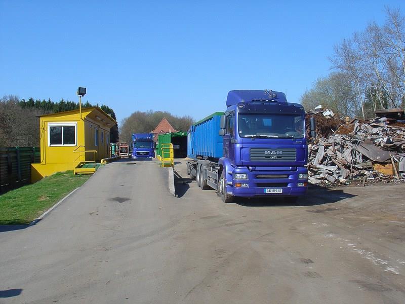 Recyclage fers & métaux, location de bennes, démolition
