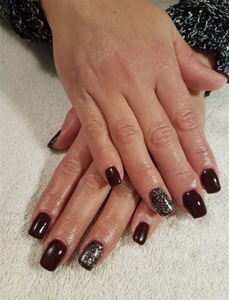 Diamond Nails