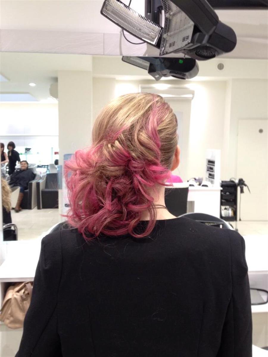 Salon de coiffure noir sandrine onglerie coiffeur pour for Annuaire salon de coiffure