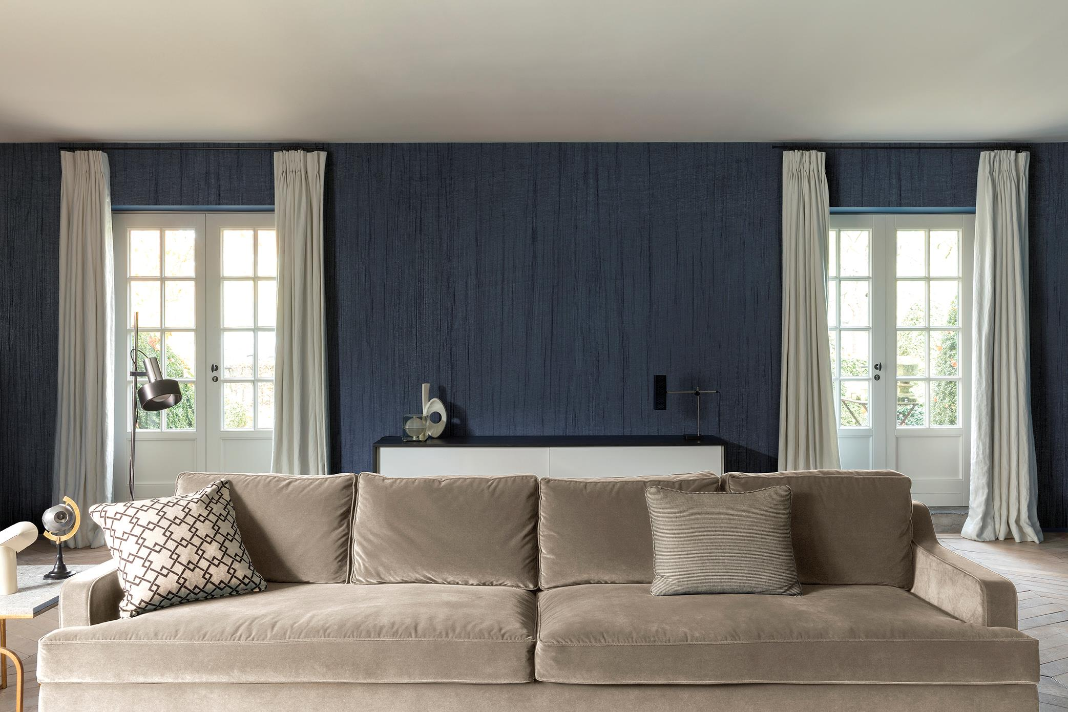 Superior textile wall covering by TISSAGE MAHIEU