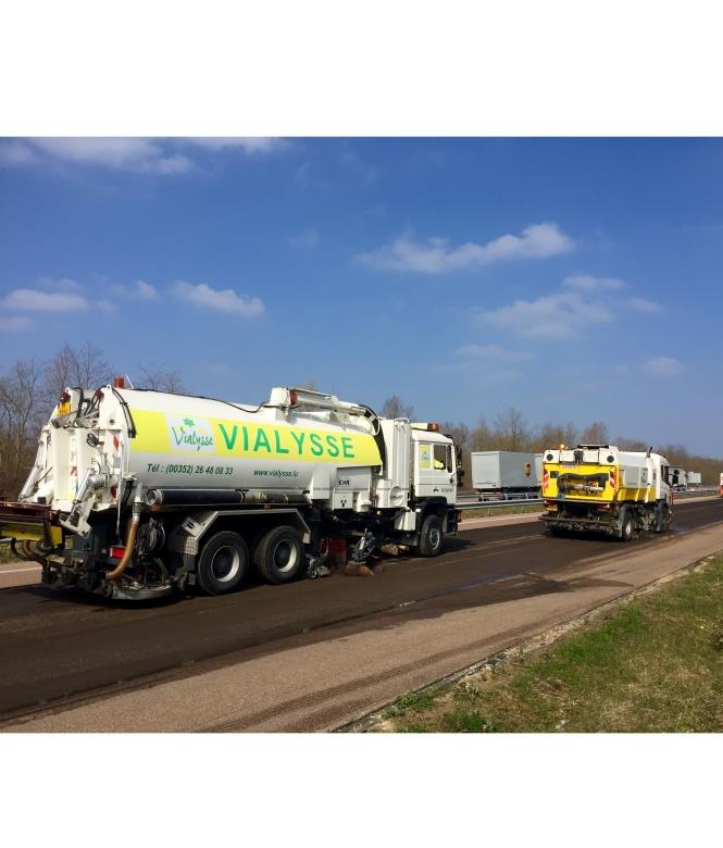 Balayage/lavage sur chantier autoroute - Vialysse Luxembourg